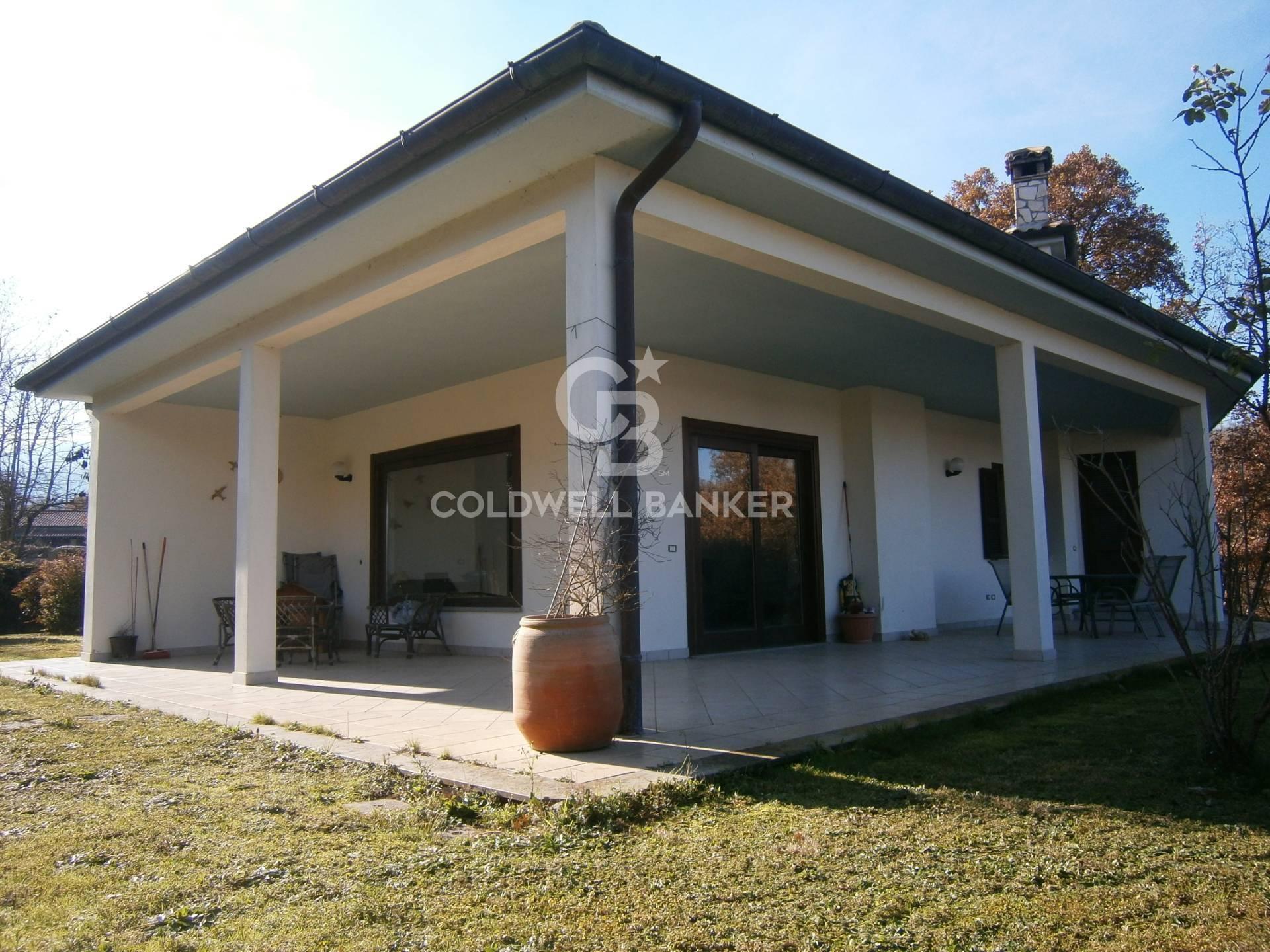 Villa in vendita a Soriano nel Cimino, 15 locali, prezzo € 420.000   CambioCasa.it