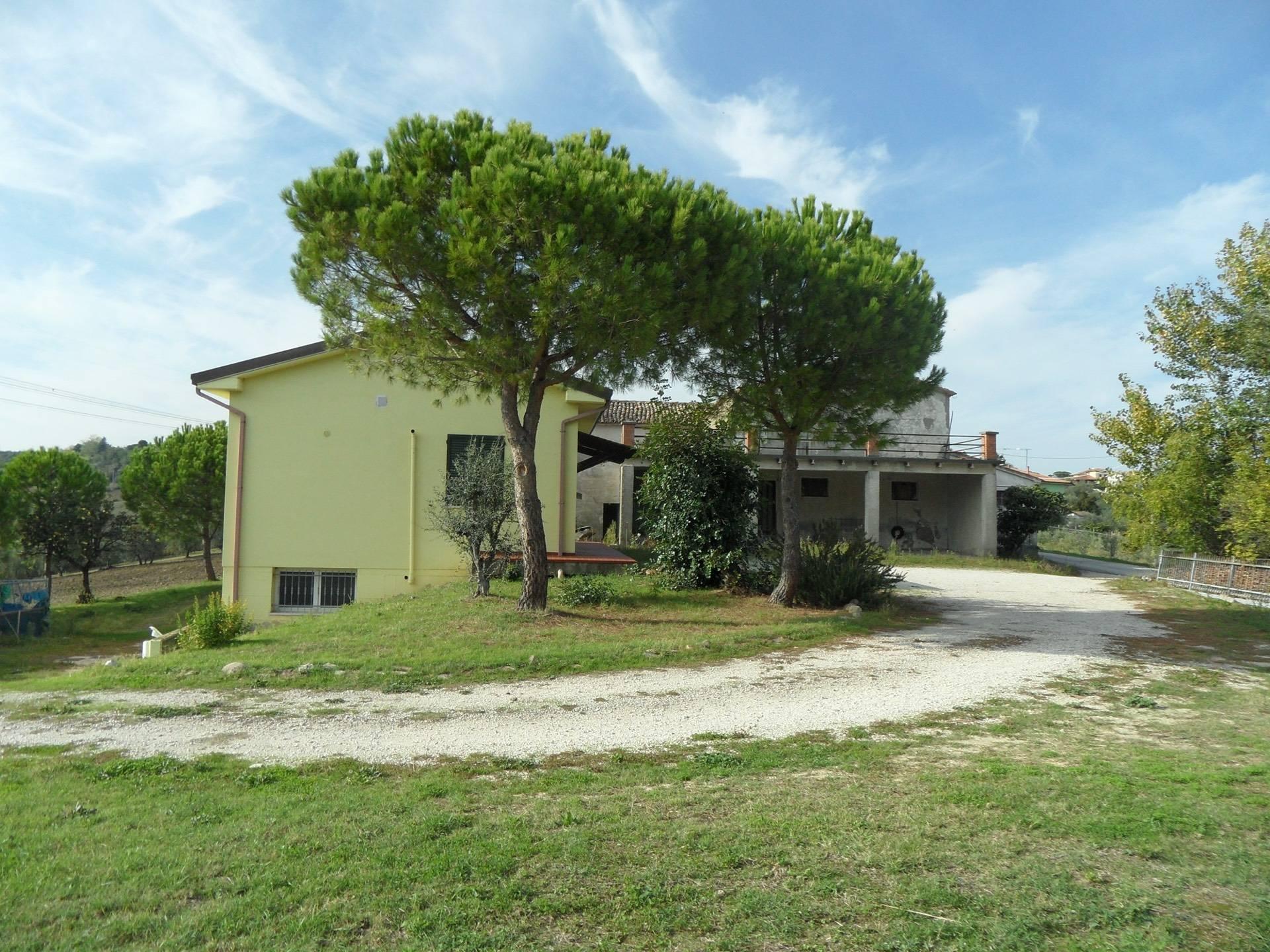 Appartamento in vendita a Coriano, 10 locali, zona Località: MonteTauro, prezzo € 359.000 | CambioCasa.it