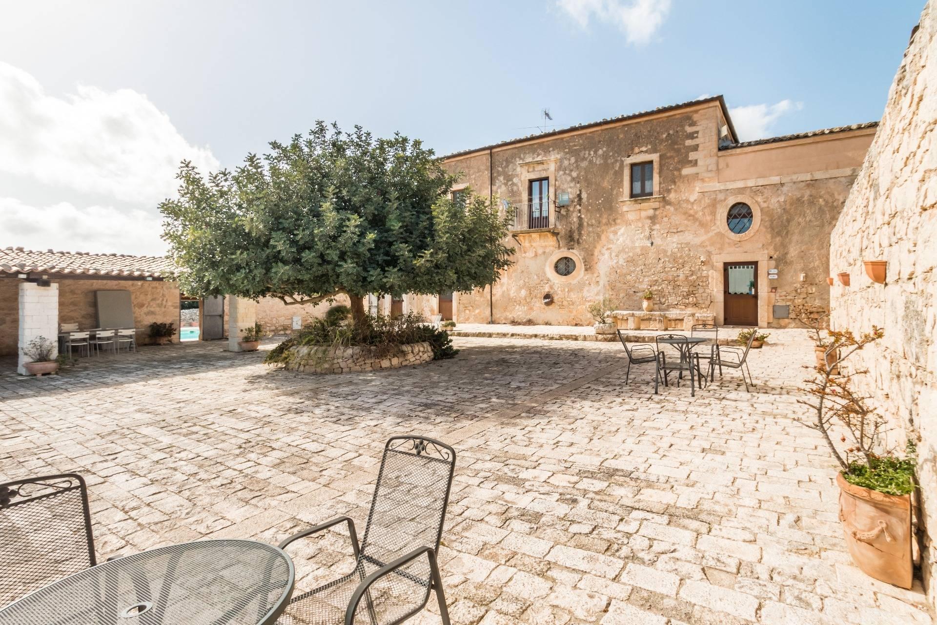 Foto - Rustico In Vendita Santa Croce Camerina (rg)
