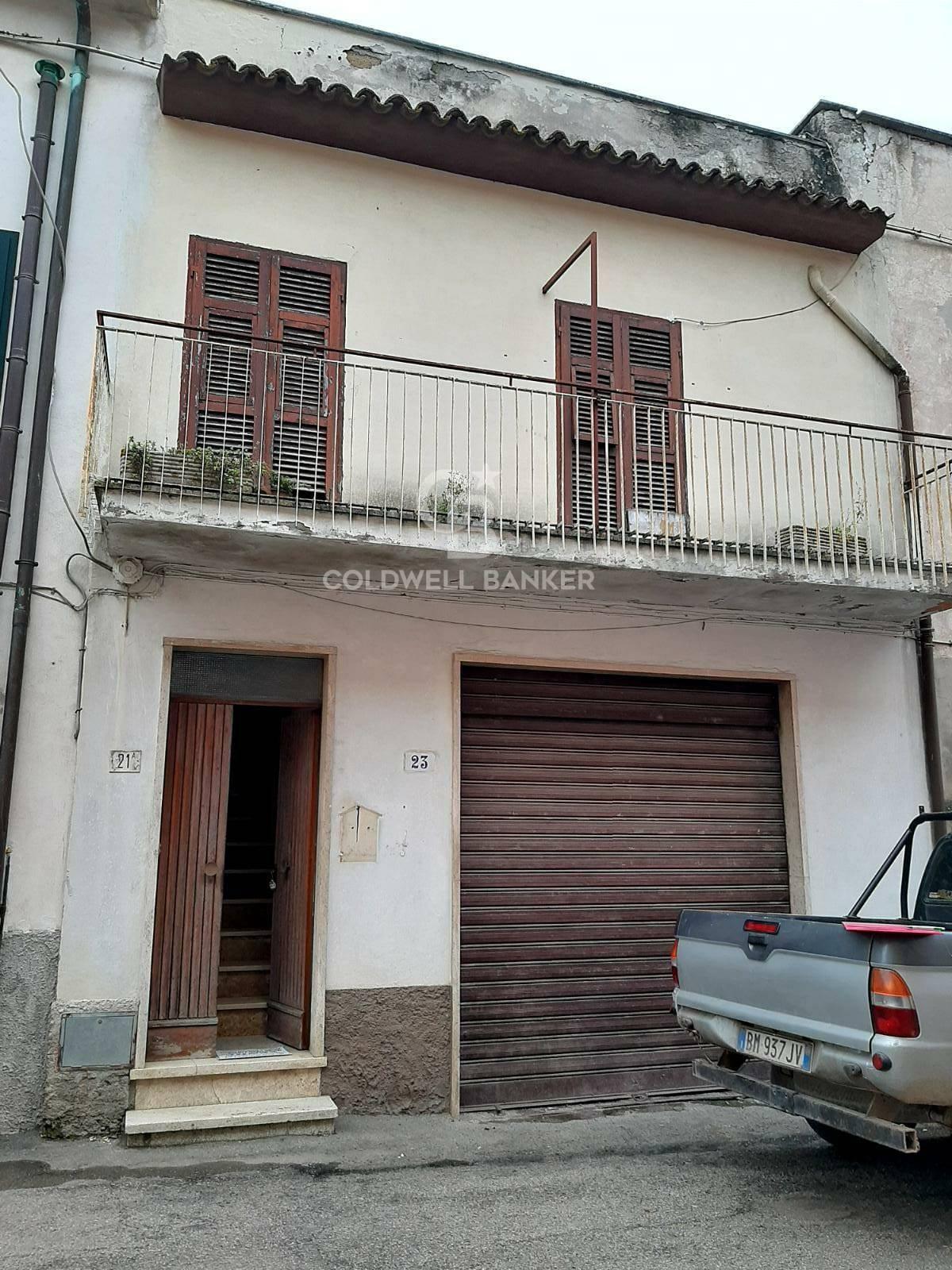 Appartamento in vendita a Cellere, 3 locali, prezzo € 45.000   CambioCasa.it
