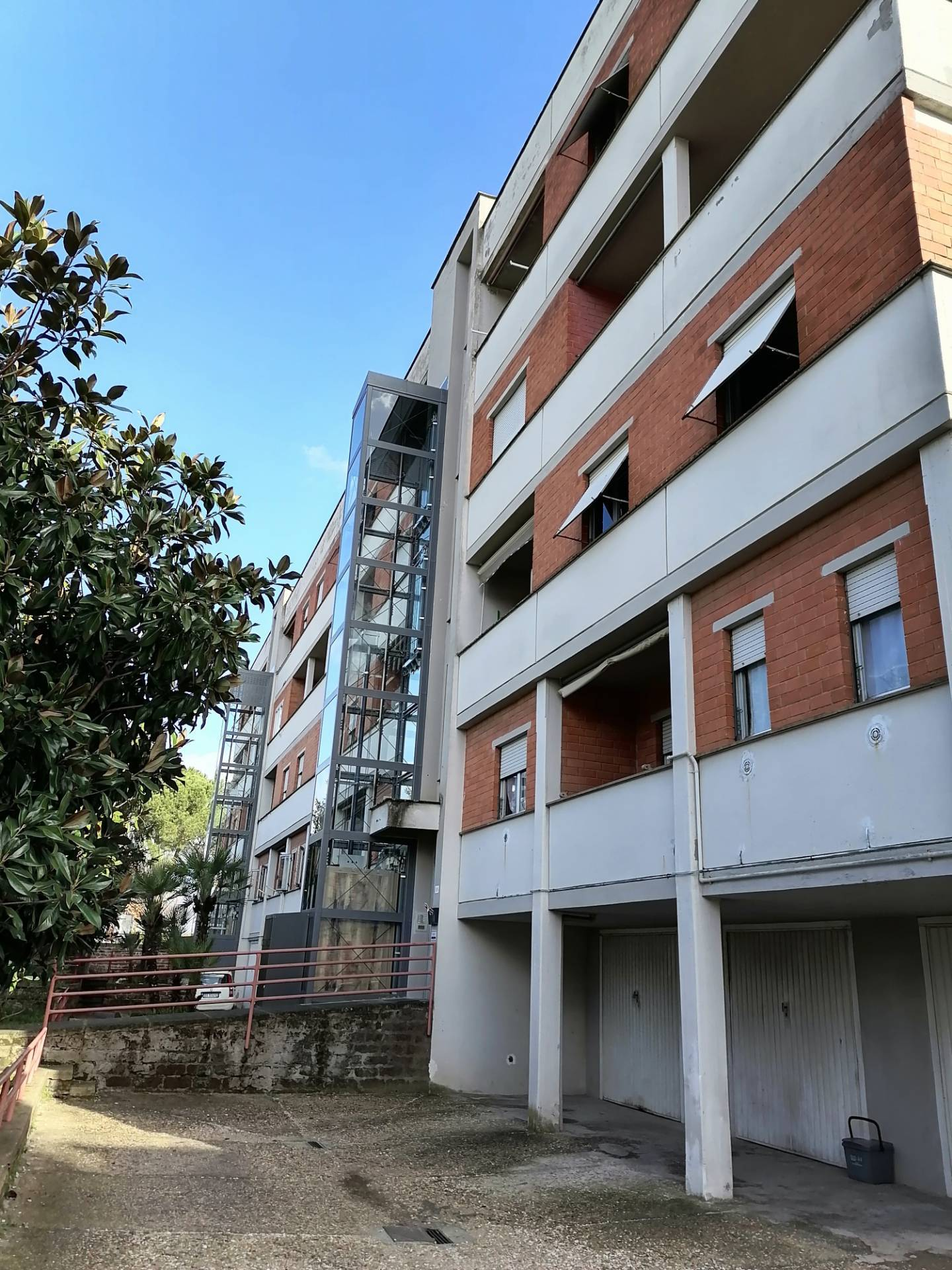 Appartamento in vendita a Civita Castellana, 4 locali, prezzo € 98.000 | CambioCasa.it