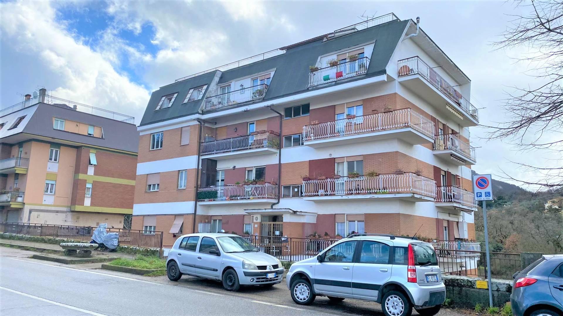 Appartamento in vendita a Viterbo, 4 locali, zona Zona: Bagnaia, prezzo € 79.000 | CambioCasa.it