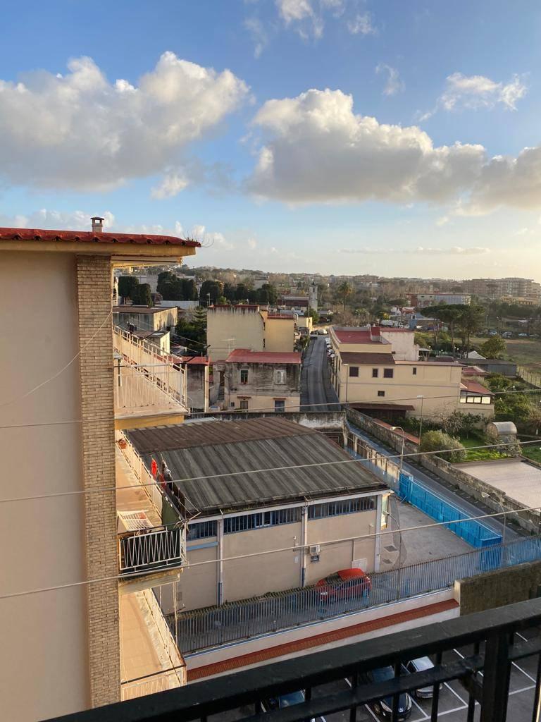 Appartamento in vendita a San Giorgio a Cremano, 4 locali, prezzo € 185.000 | CambioCasa.it