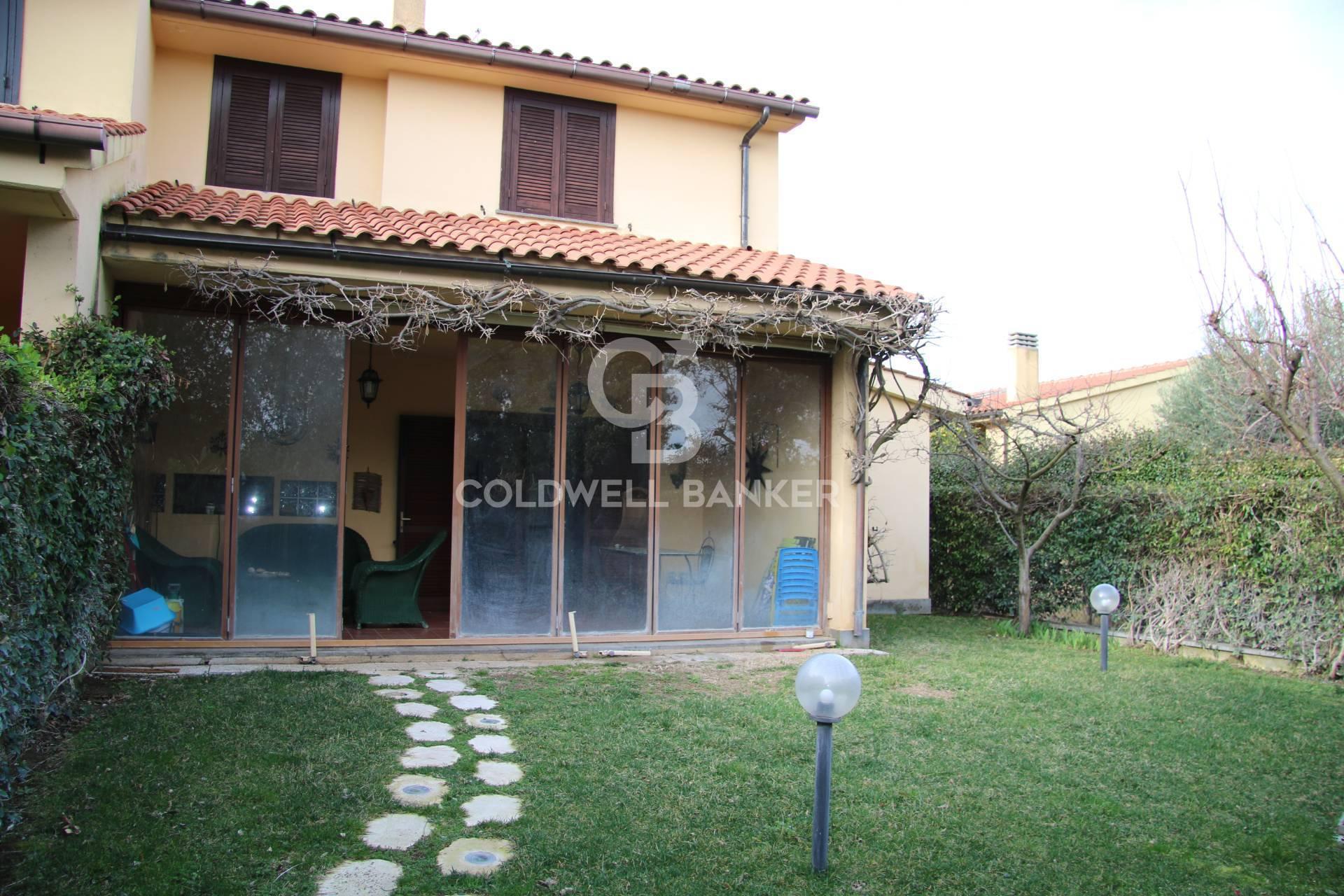 Appartamento in vendita a Montalto di Castro, 5 locali, zona Località: MontaltoMarina, prezzo € 207.000 | CambioCasa.it