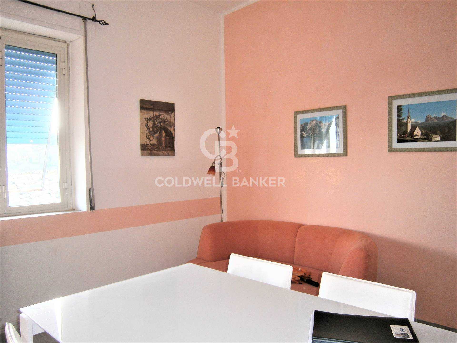 Appartamento in vendita a Soriano nel Cimino, 4 locali, prezzo € 39.000   CambioCasa.it