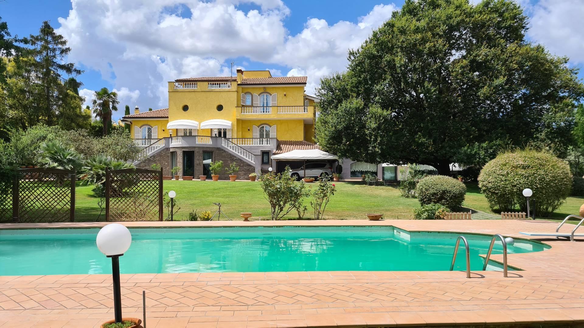 Villa in vendita a Bassano Romano, 22 locali, prezzo € 2.200.000 | CambioCasa.it