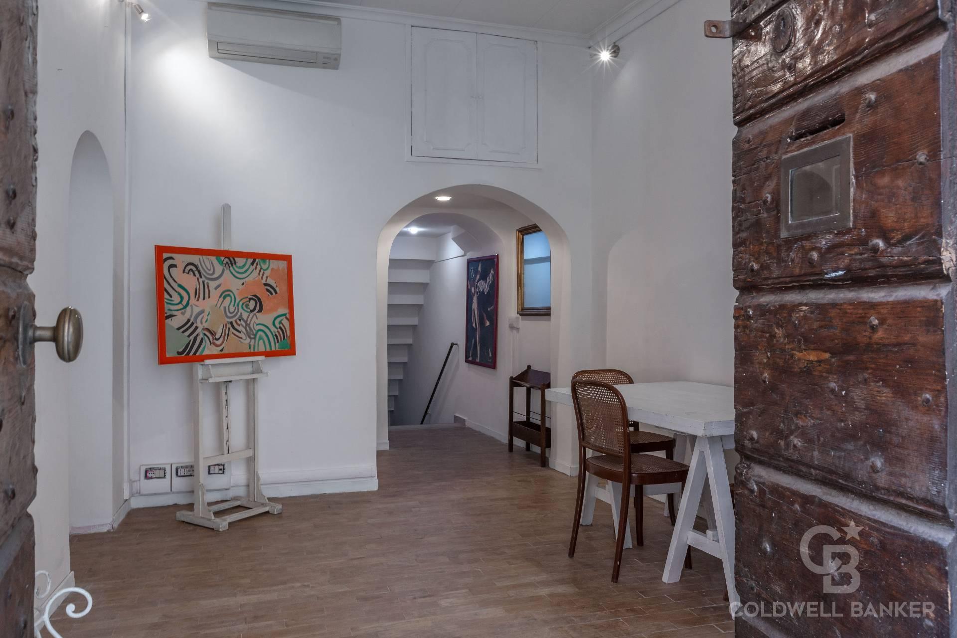 Fondo commerciale in affitto a Centro Storico, Roma (RM)