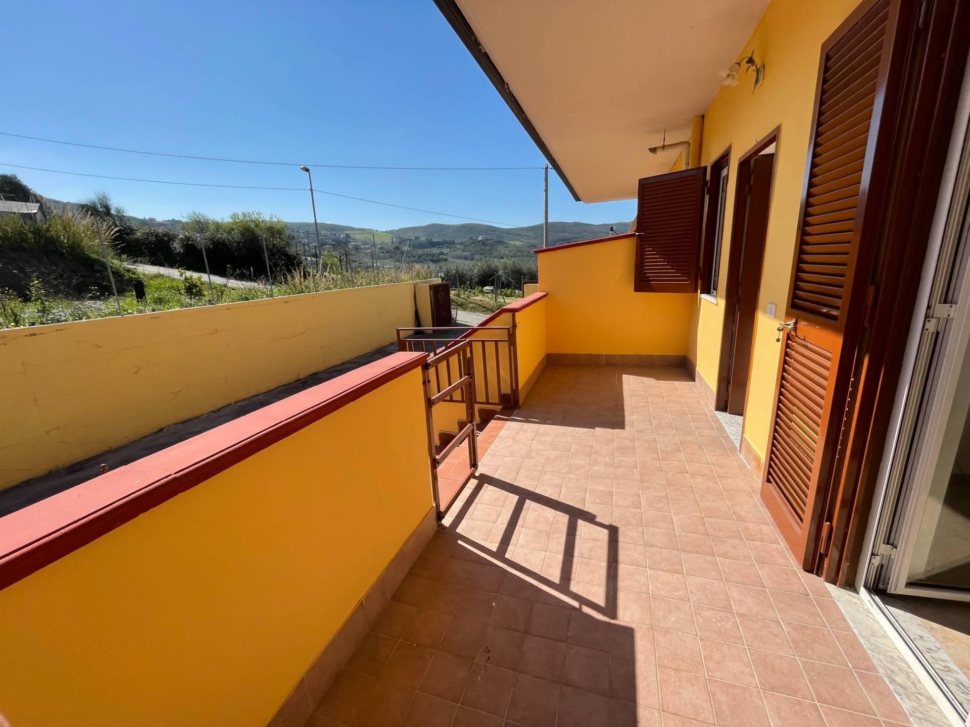 Appartamento in vendita a Agropoli, 3 locali, prezzo € 78.000 | CambioCasa.it