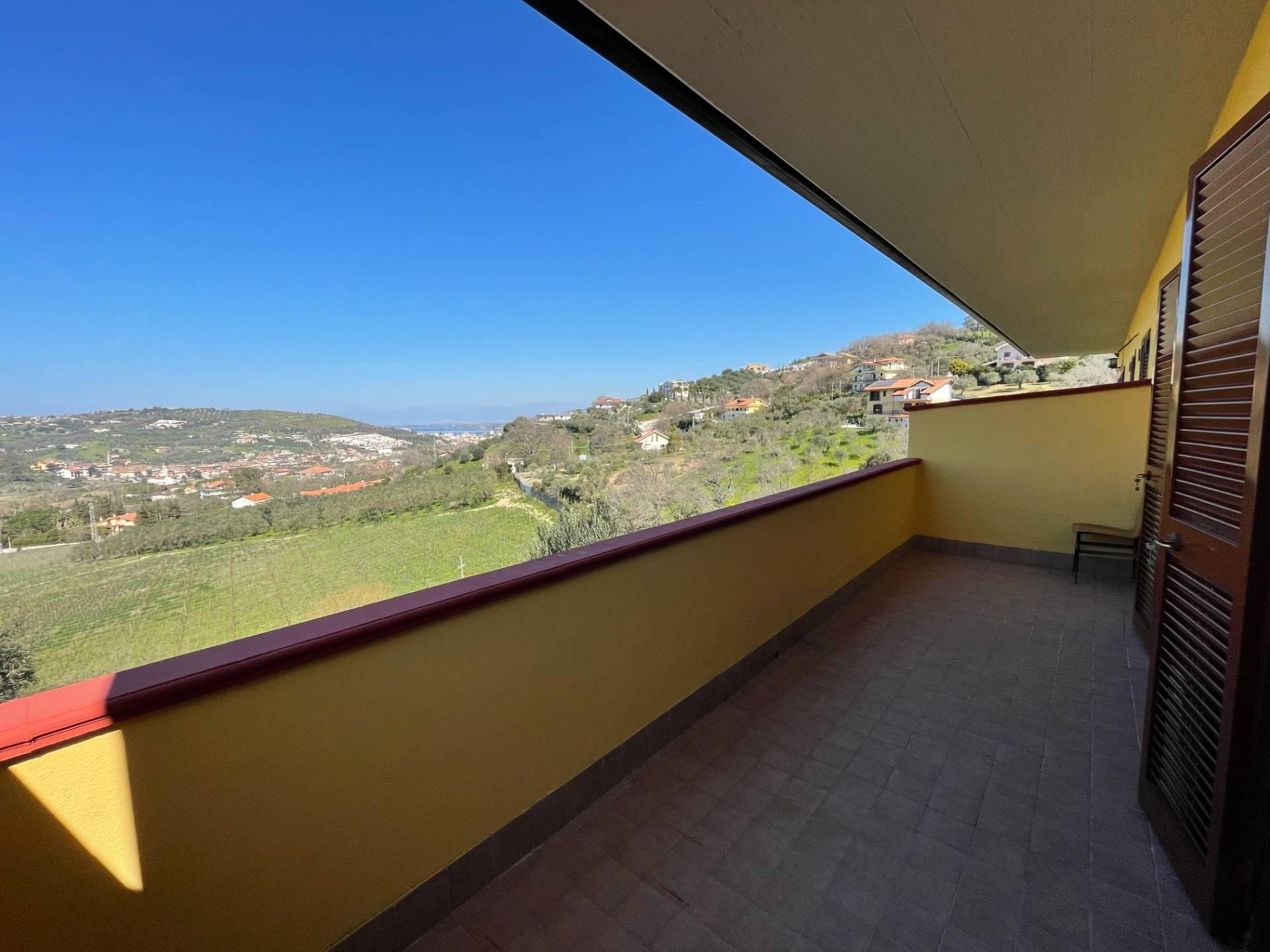 Appartamento in vendita a Agropoli, 3 locali, prezzo € 79.000 | CambioCasa.it