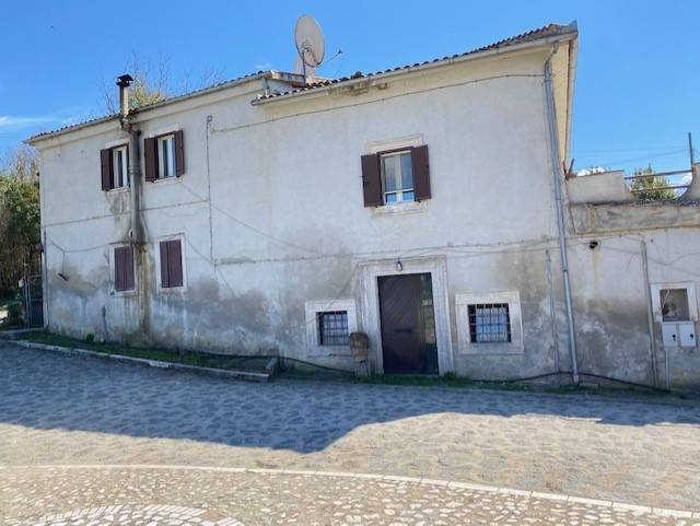 Soluzione Indipendente in vendita a Civita Castellana, 8 locali, prezzo € 259.000 | CambioCasa.it