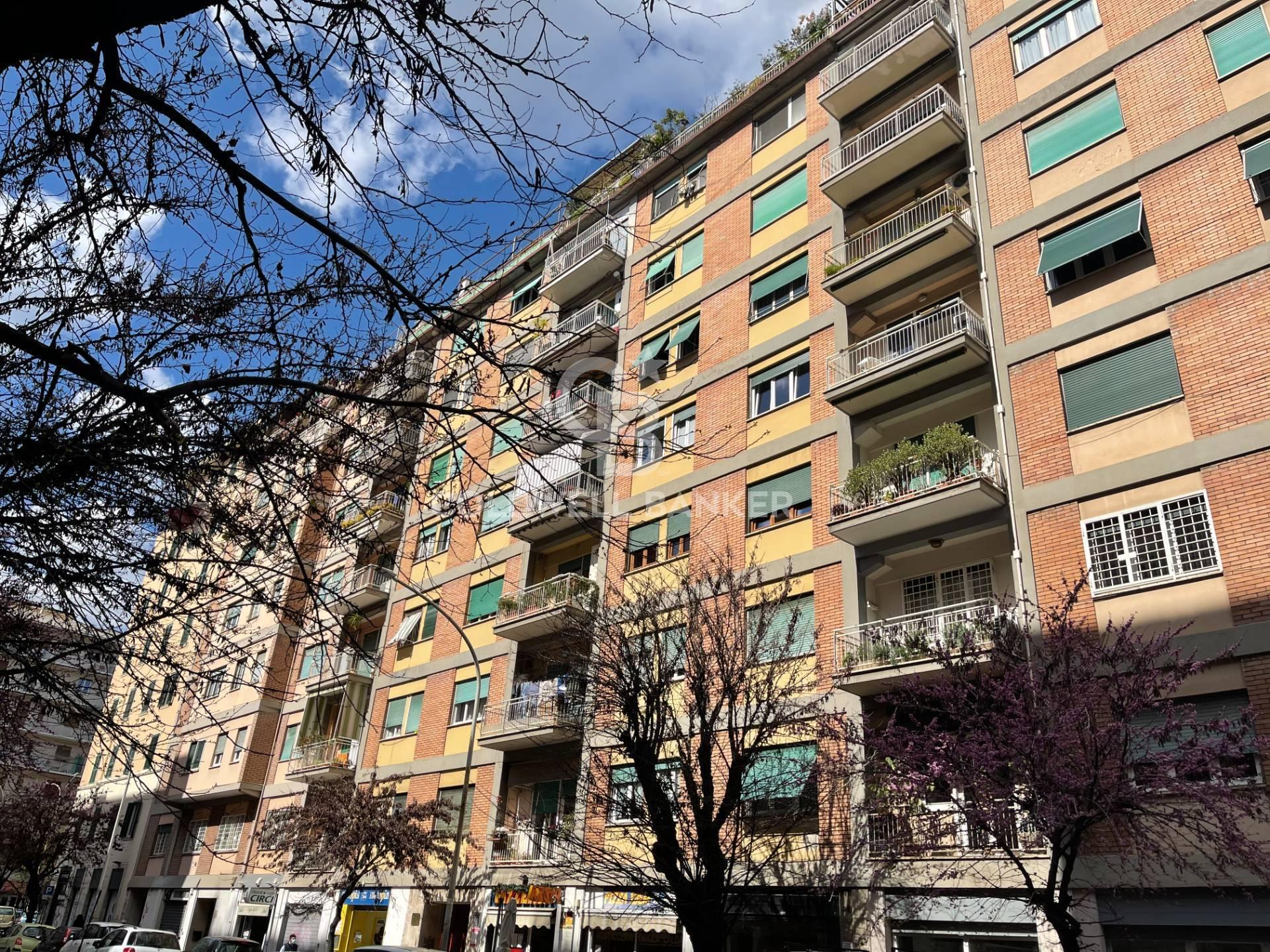 Appartamento in vendita a Roma, 3 locali, zona Zona: 20 . Marconi - Ostiense, prezzo € 220.000   CambioCasa.it
