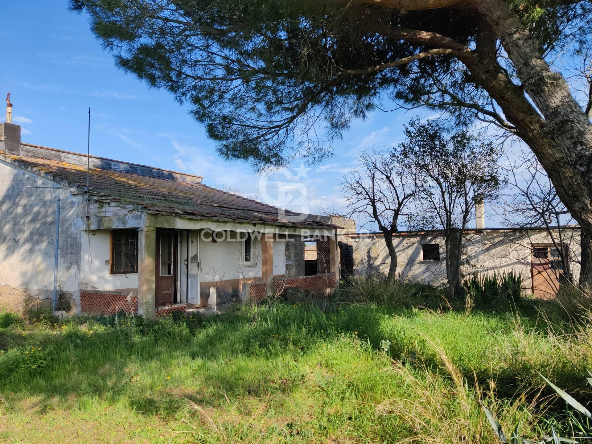 Rustico / Casale in vendita a Montalto di Castro, 8 locali, prezzo € 175.000 | CambioCasa.it