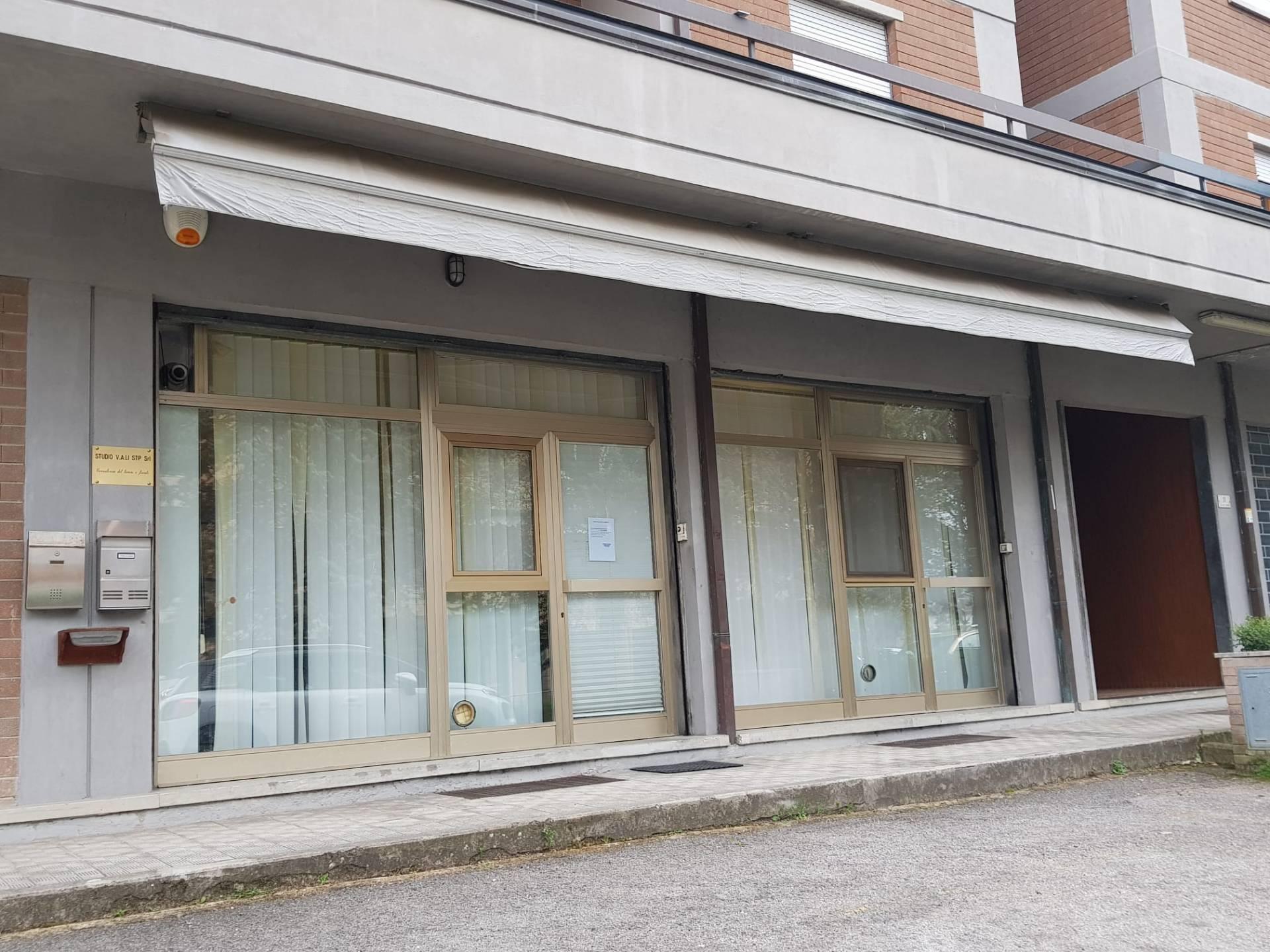Ufficio / Studio in vendita a Bastia Umbra, 9999 locali, prezzo € 118.000   CambioCasa.it