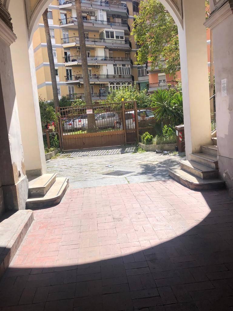 Appartamento in vendita a San Giorgio a Cremano, 5 locali, prezzo € 335.000   CambioCasa.it