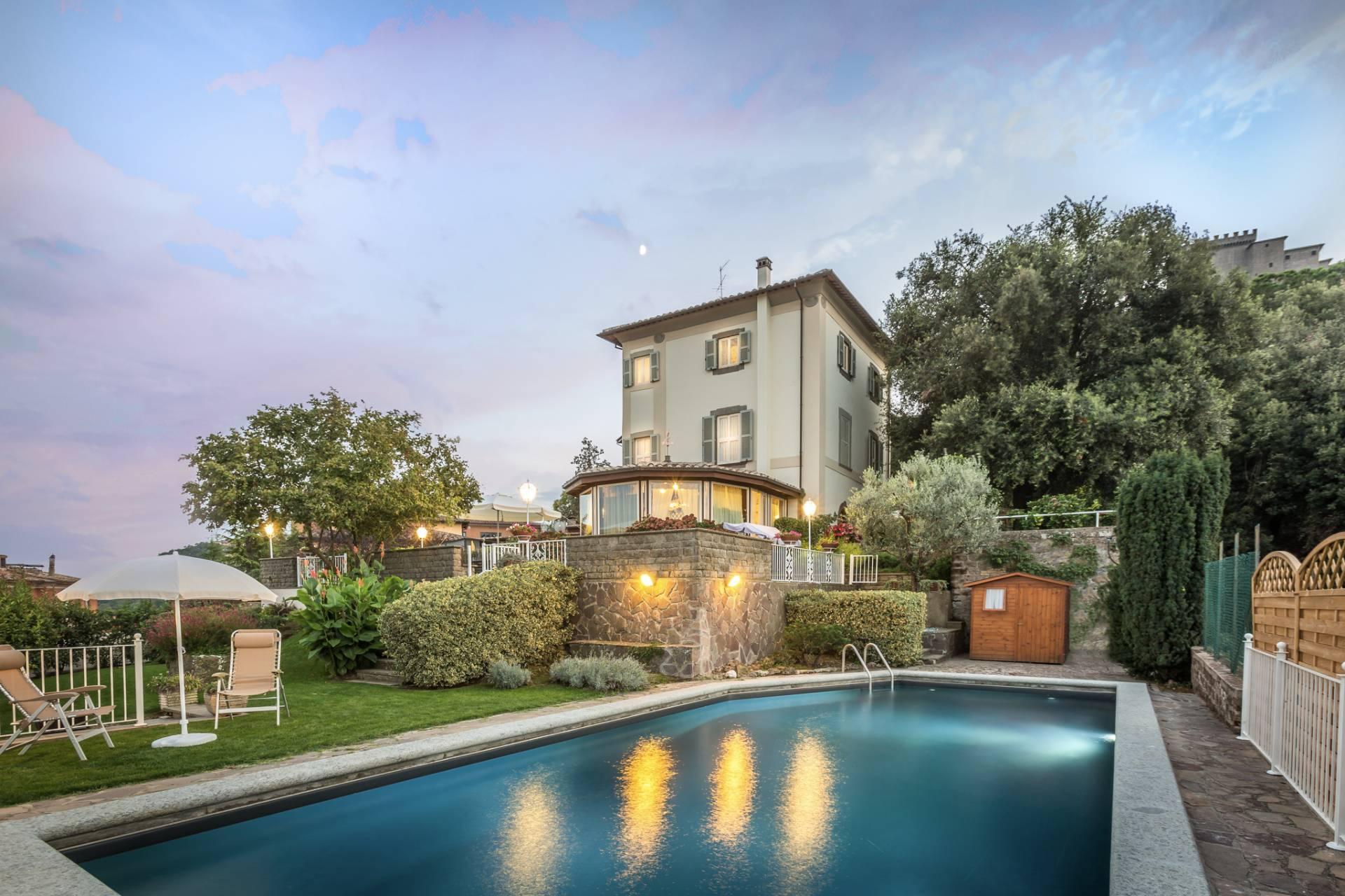 Villa in vendita a Soriano nel Cimino, 17 locali, prezzo € 1.860.000   CambioCasa.it