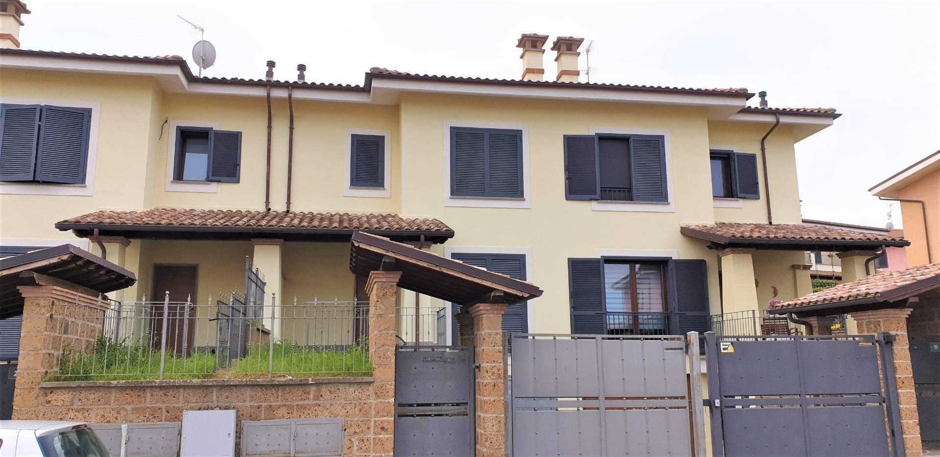 Villa in vendita a Viterbo, 7 locali, zona Zona: Semicentro, prezzo € 220.000 | CambioCasa.it