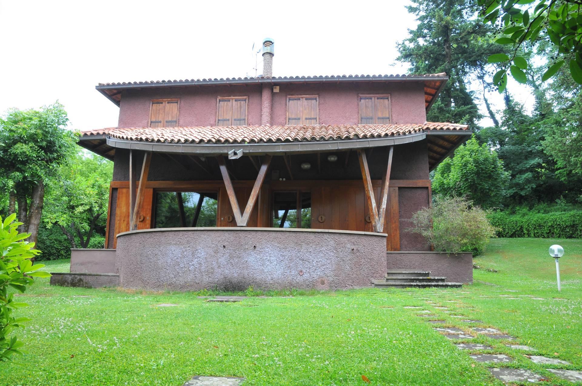 Villa in vendita a Riofreddo, 7 locali, prezzo € 250.000 | CambioCasa.it