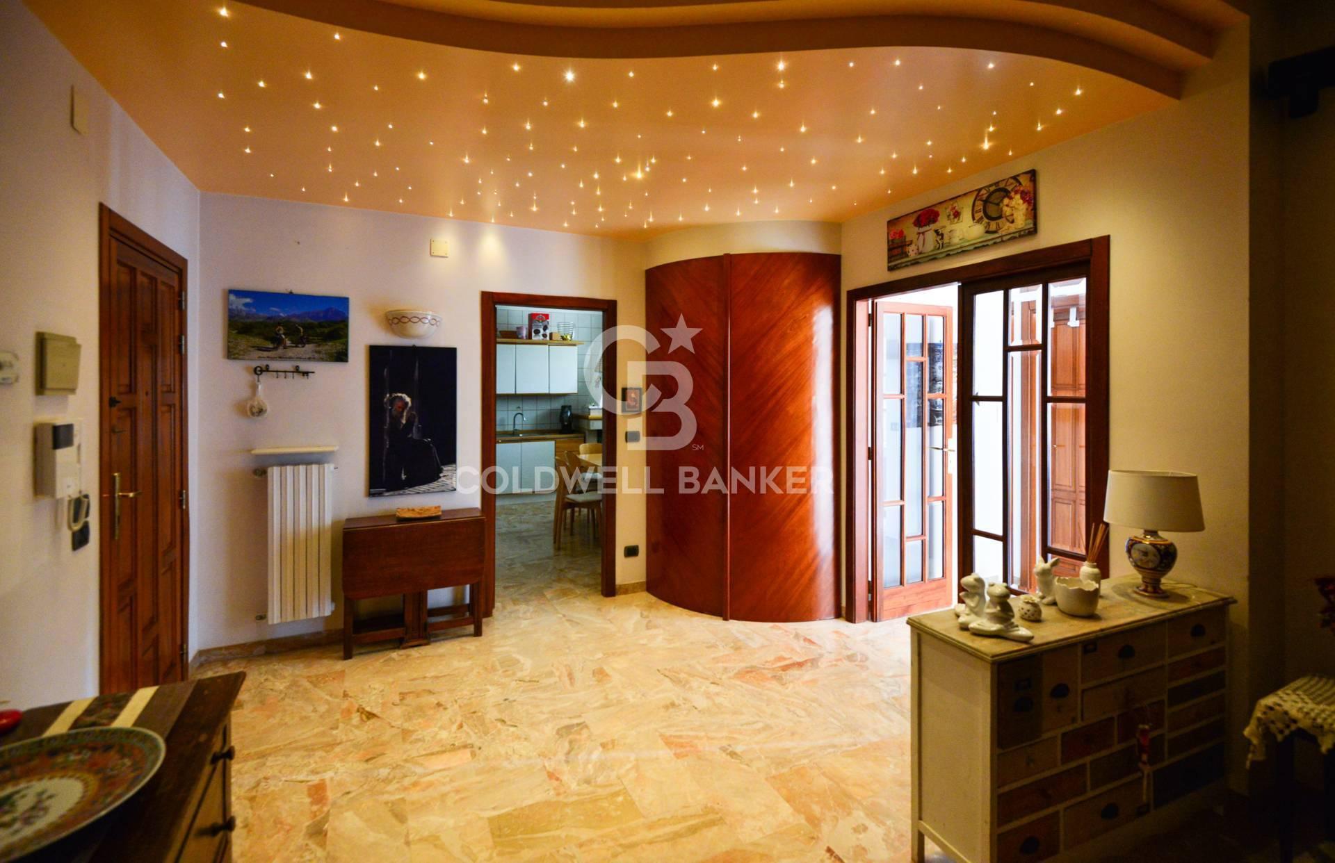 Appartamento in vendita a Ostuni, 6 locali, prezzo € 195.000 | CambioCasa.it