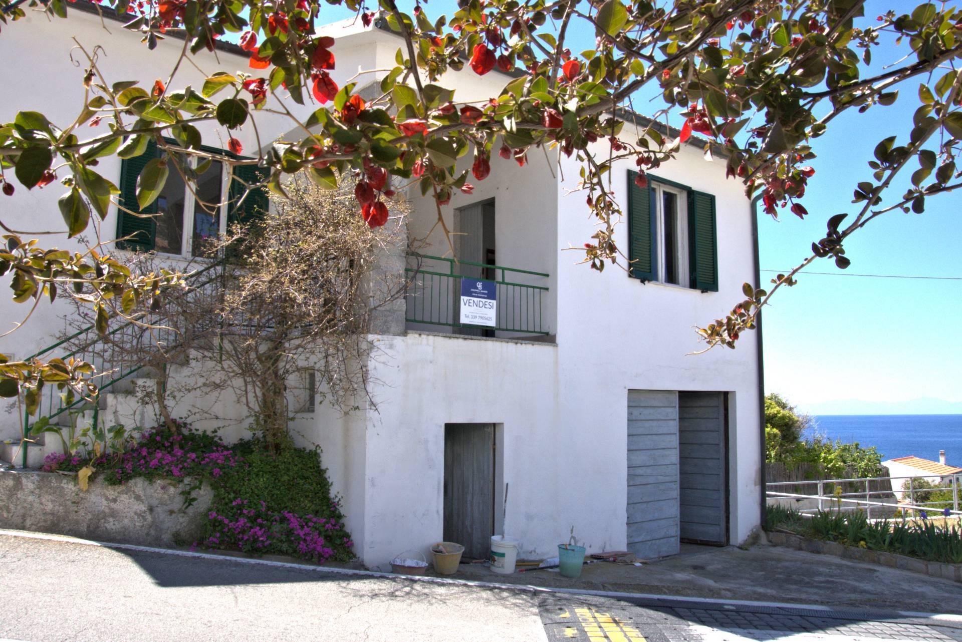 Villa in vendita a Marciana, 6 locali, zona Zona: Chiessi, prezzo € 600.000   CambioCasa.it