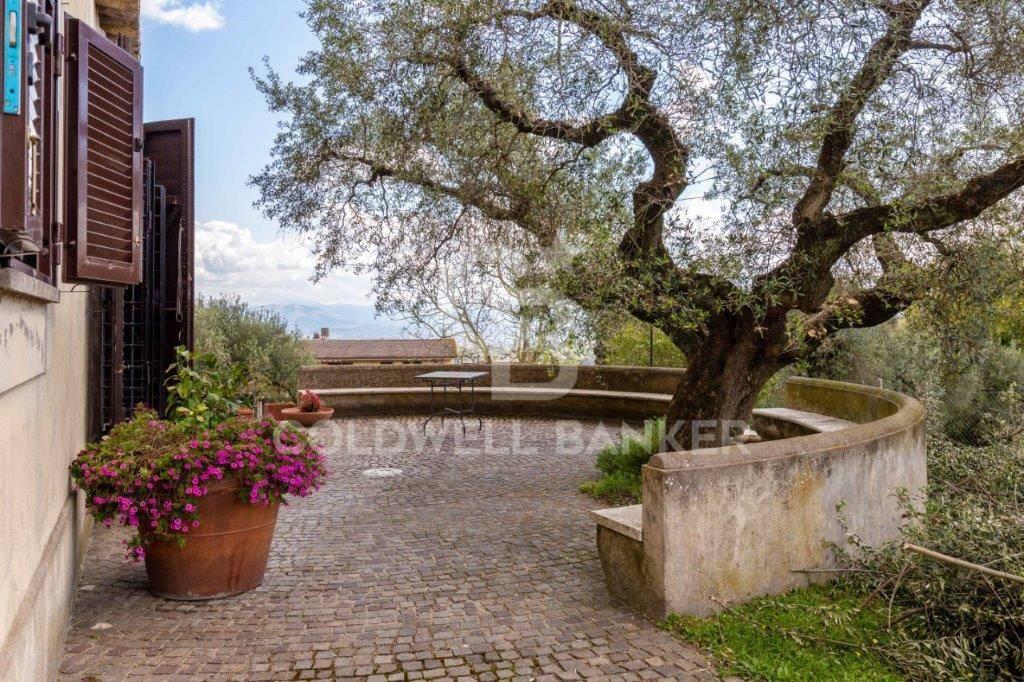 Villa in vendita a Capena, 5 locali, prezzo € 690.000 | CambioCasa.it