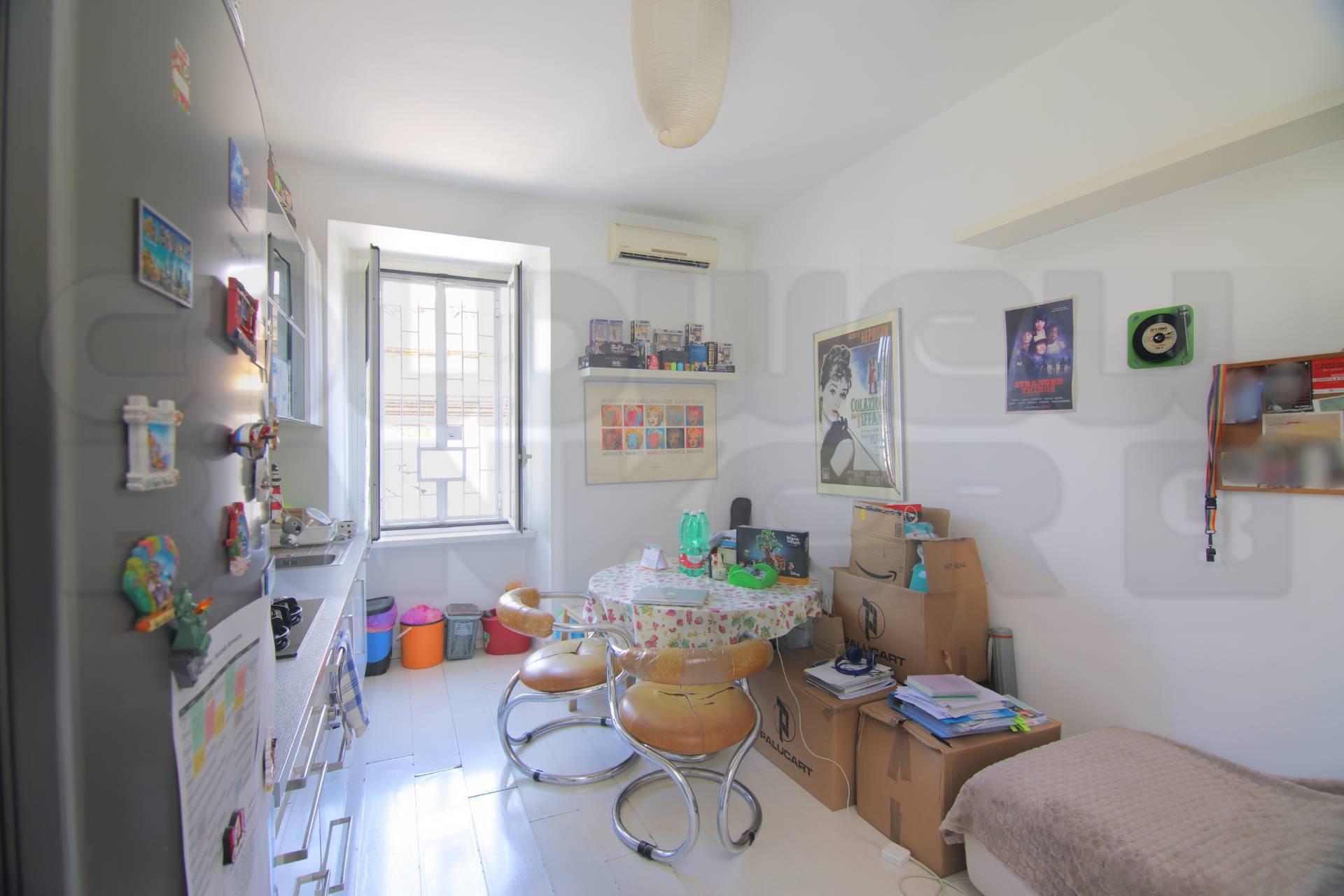 Appartamento in vendita a Roma, 2 locali, zona Zona: 25 . Trastevere - Testaccio, prezzo € 199.000 | CambioCasa.it