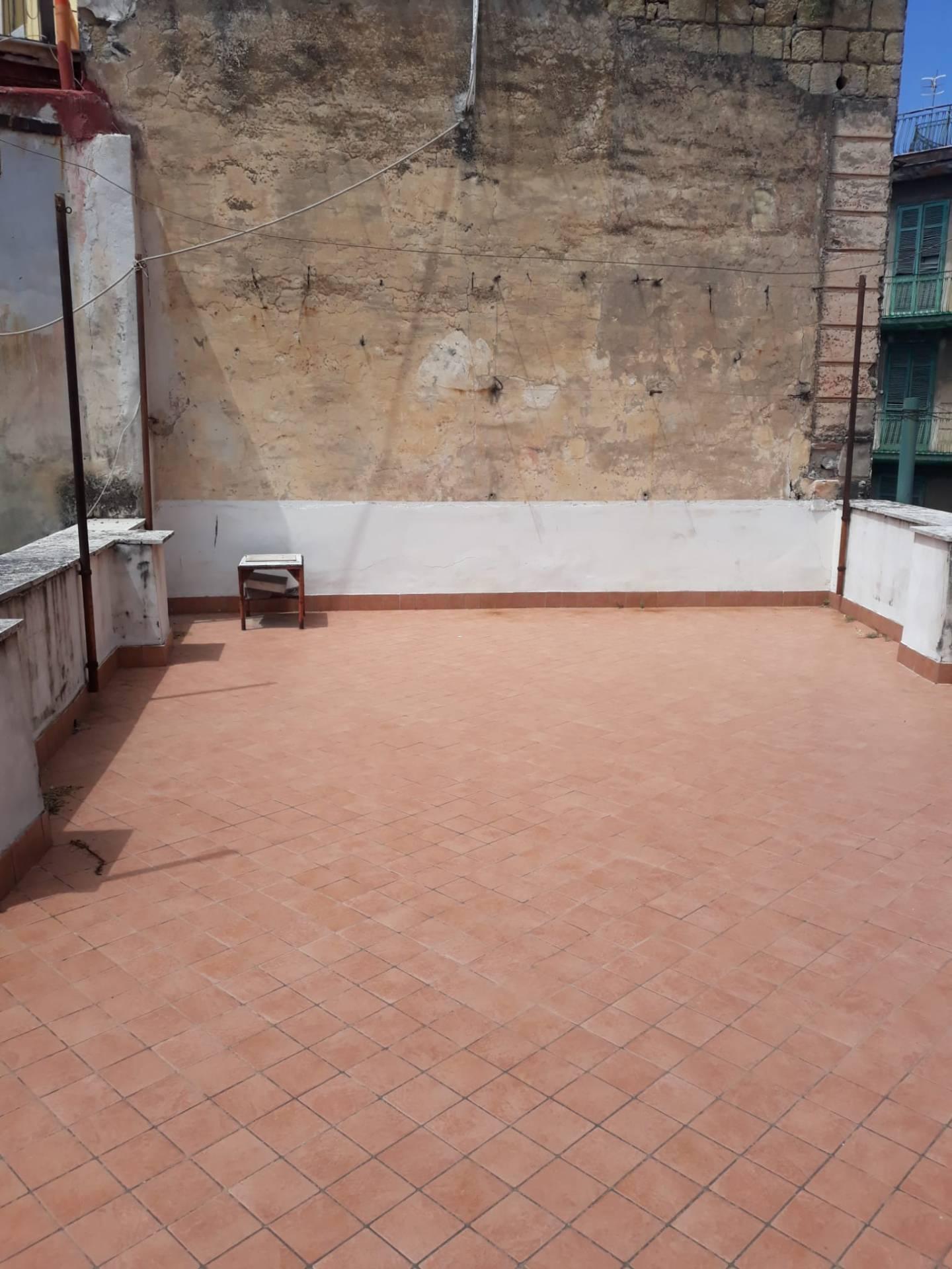 Appartamento in vendita a San Giorgio a Cremano, 5 locali, prezzo € 230.000   CambioCasa.it