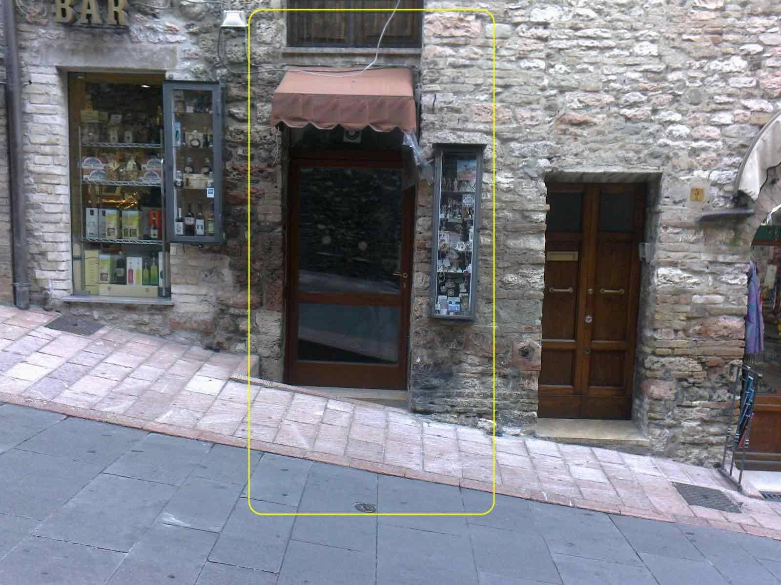 Negozio / Locale in vendita a Assisi, 9999 locali, zona Località: Assisicentro, prezzo € 180.000   CambioCasa.it