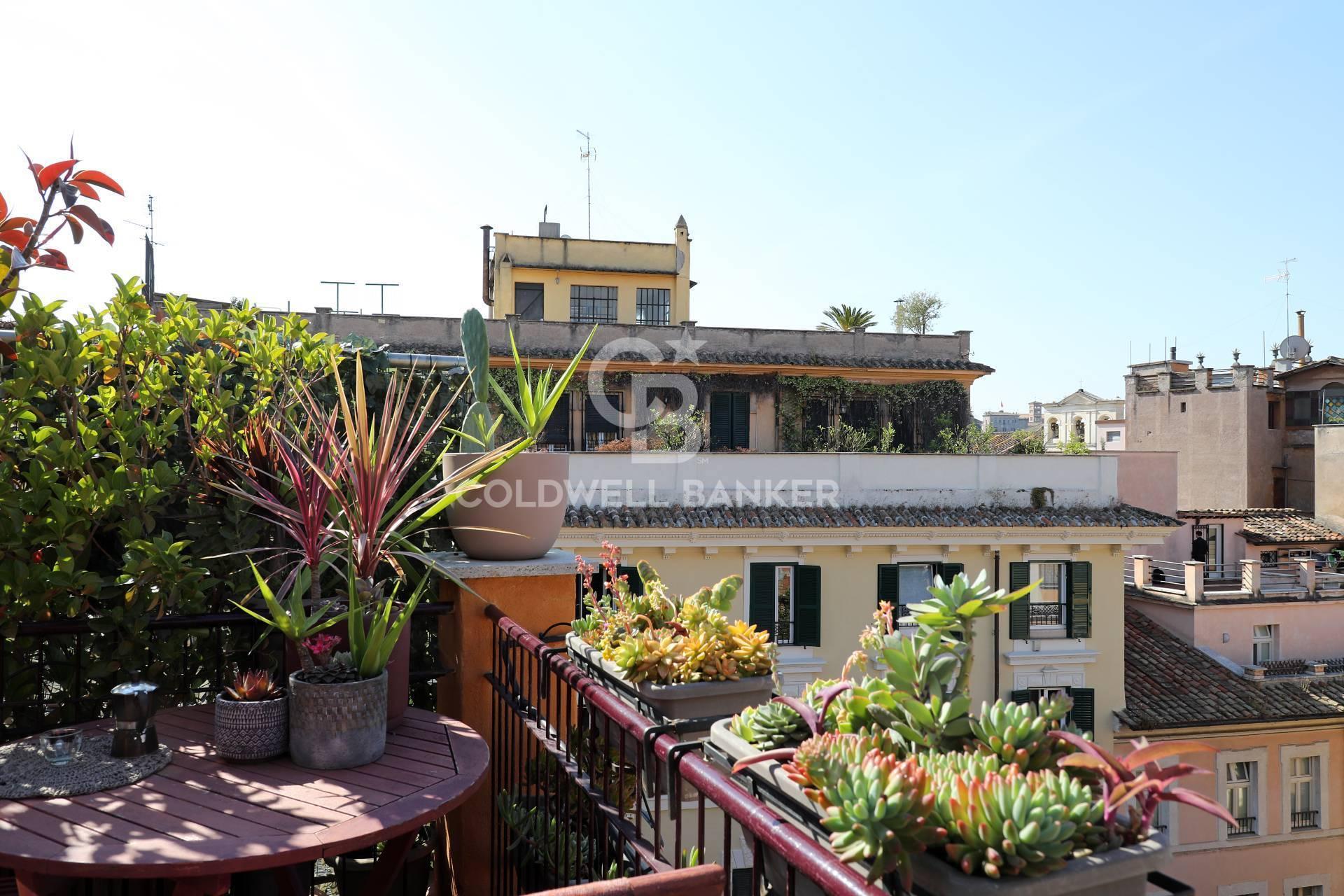 Attico / Mansarda in vendita a Roma, 2 locali, zona Trastevere - Testaccio, prezzo € 390.000 | PortaleAgenzieImmobiliari.it