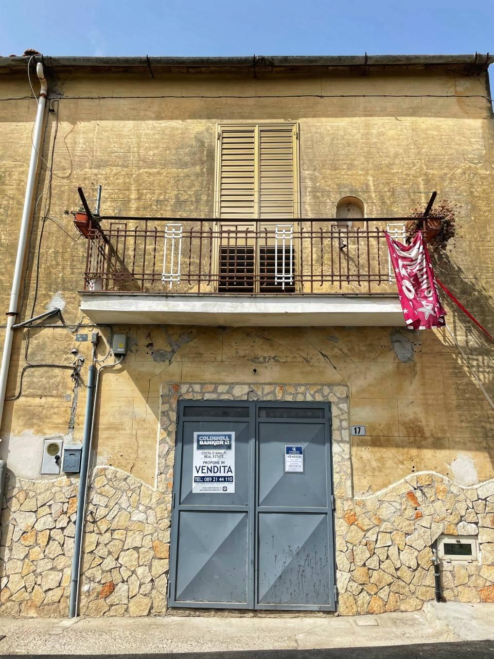 Negozio / Locale in vendita a Salerno, 9999 locali, zona Località: Giovi, prezzo € 50.000   CambioCasa.it