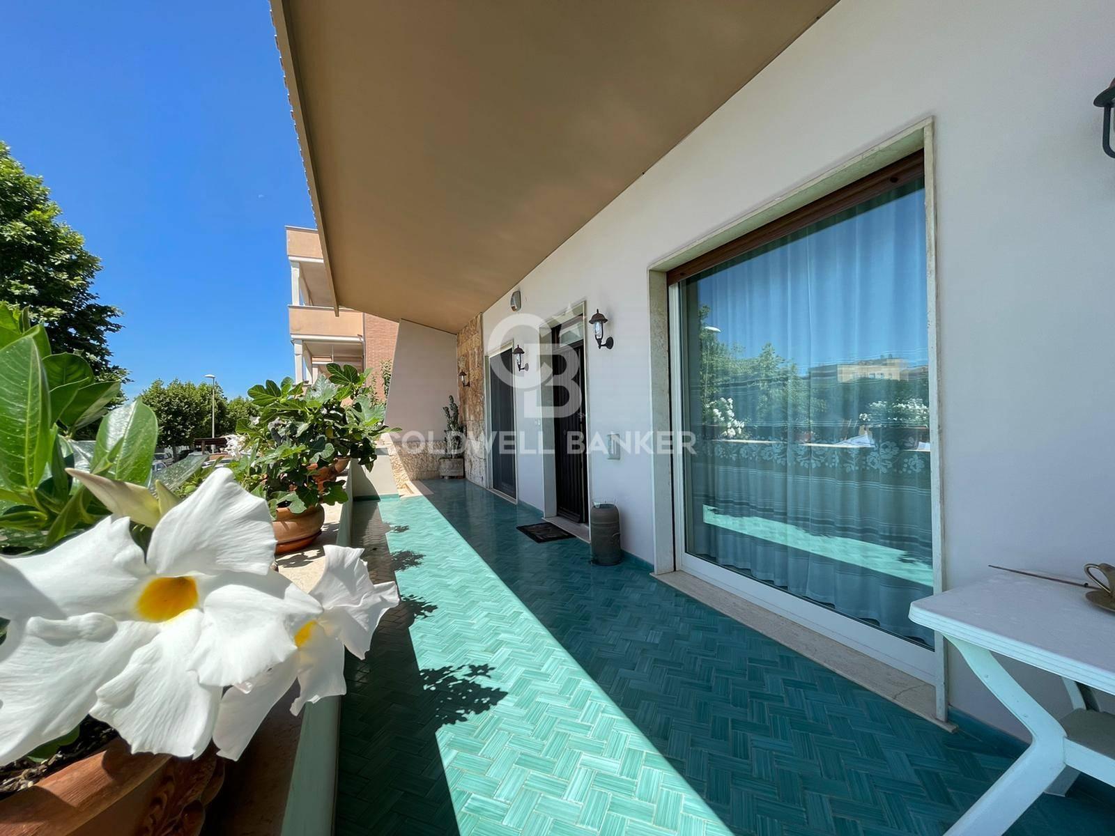 Villa in vendita a Santa Marinella, 7 locali, zona Località: Centro, prezzo € 635.000 | CambioCasa.it