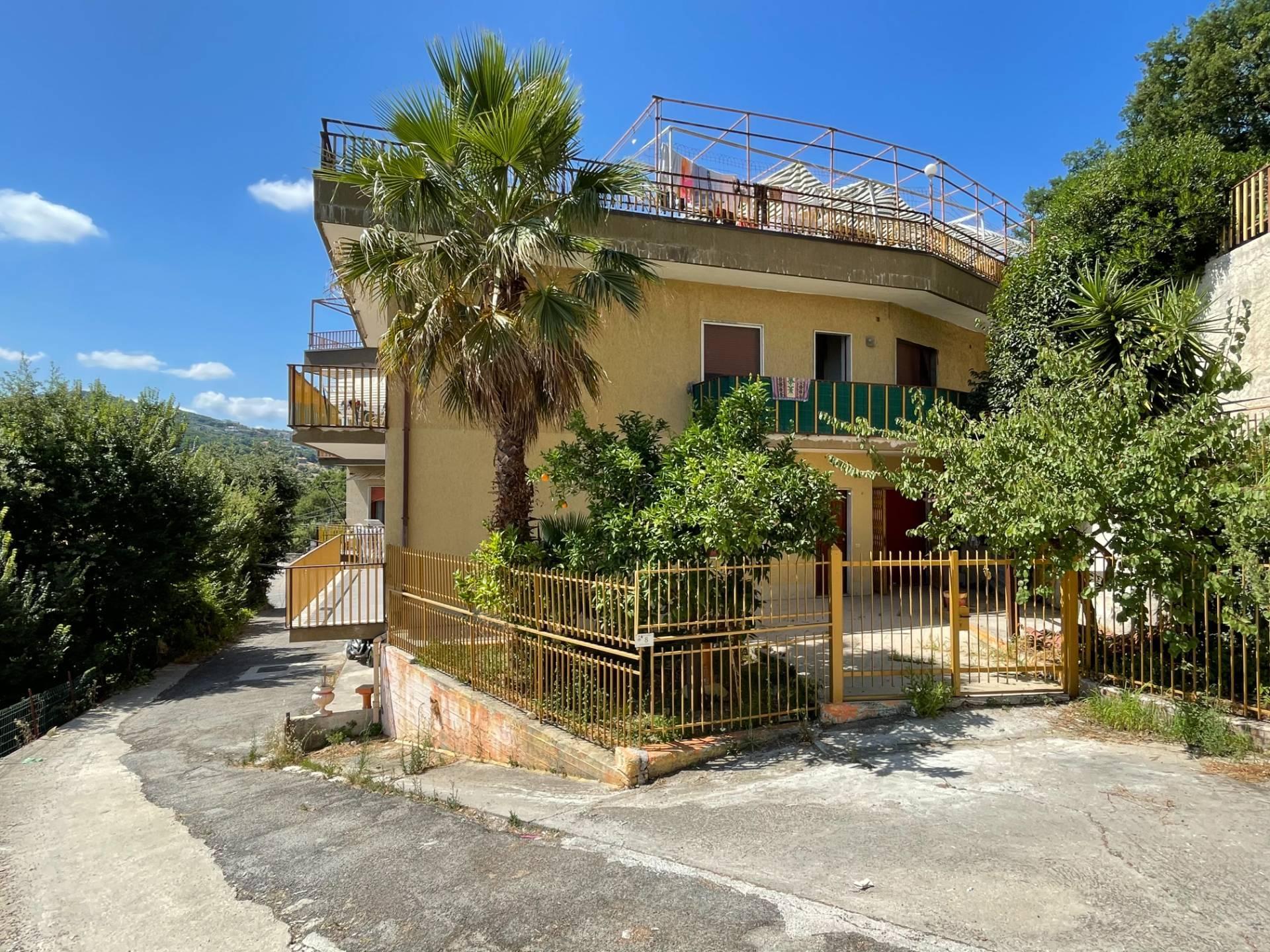 Appartamento in vendita a Agropoli, 6 locali, prezzo € 190.000 | CambioCasa.it