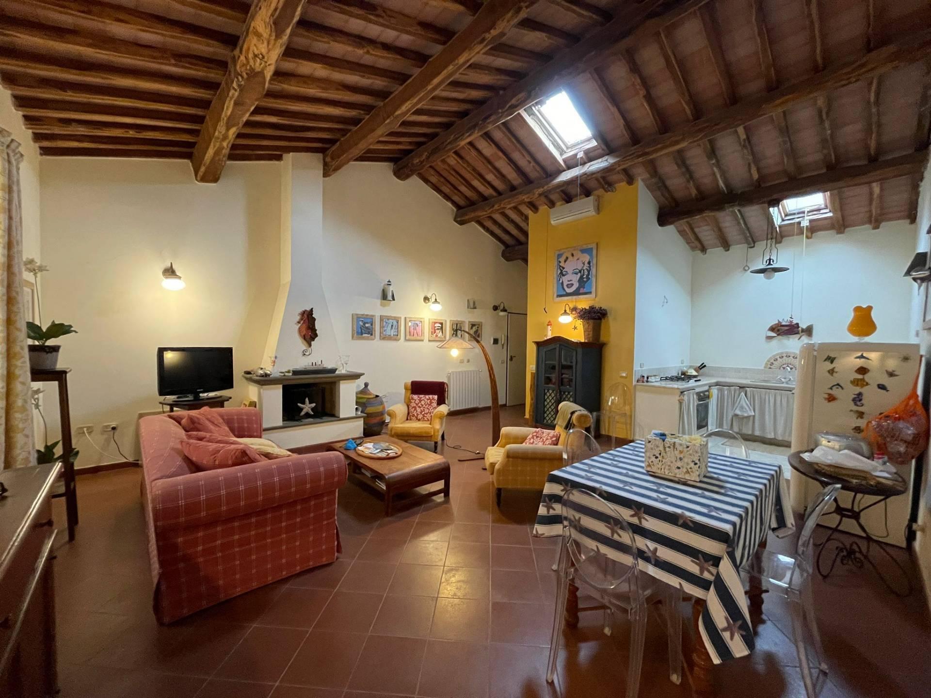 Appartamento in vendita a Orbetello, 5 locali, zona Località: Centrostorico, prezzo € 450.000 | PortaleAgenzieImmobiliari.it