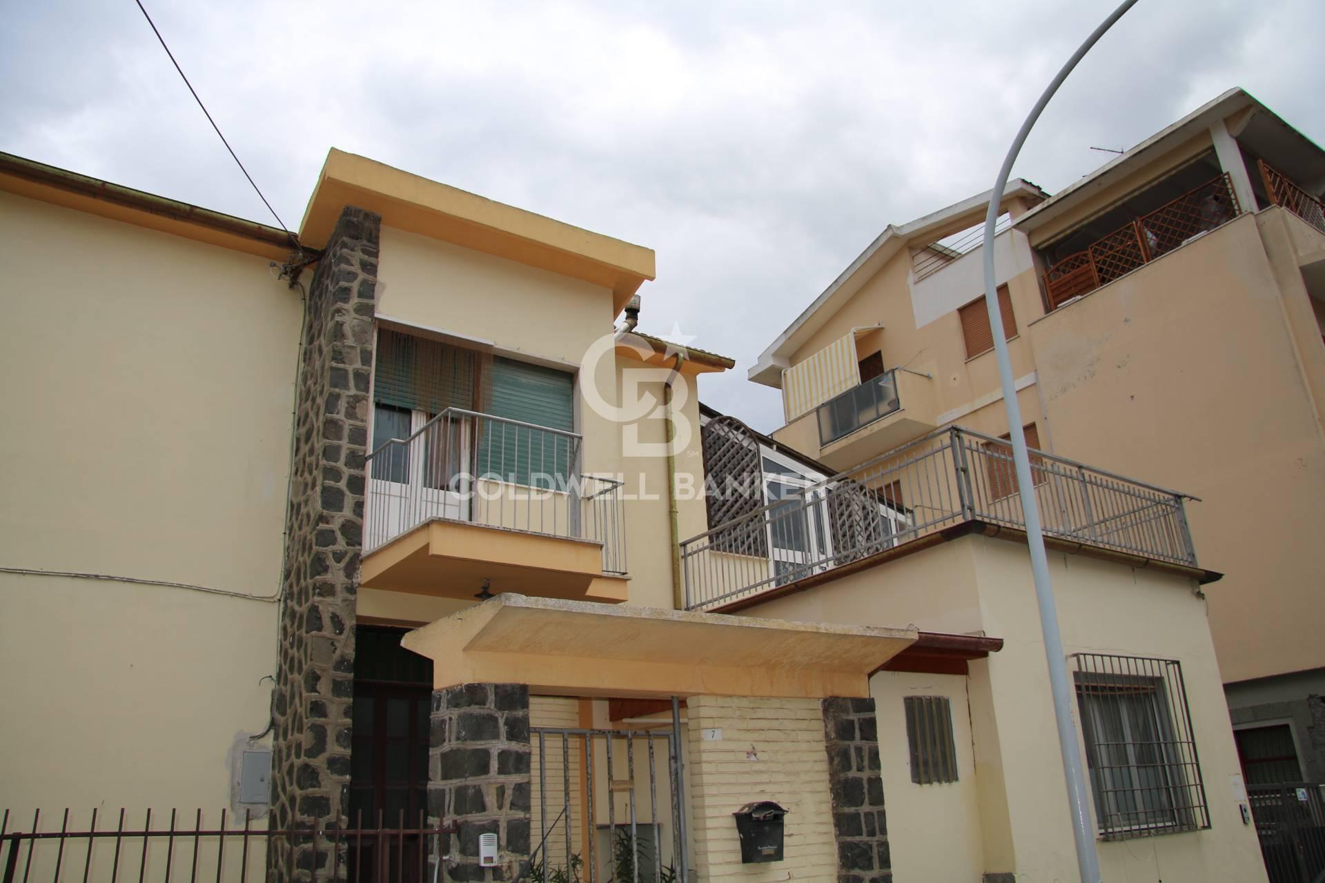 Villa in vendita a Montalto di Castro, 12 locali, zona Località: MontaltodiCastro, prezzo € 380.000 | CambioCasa.it