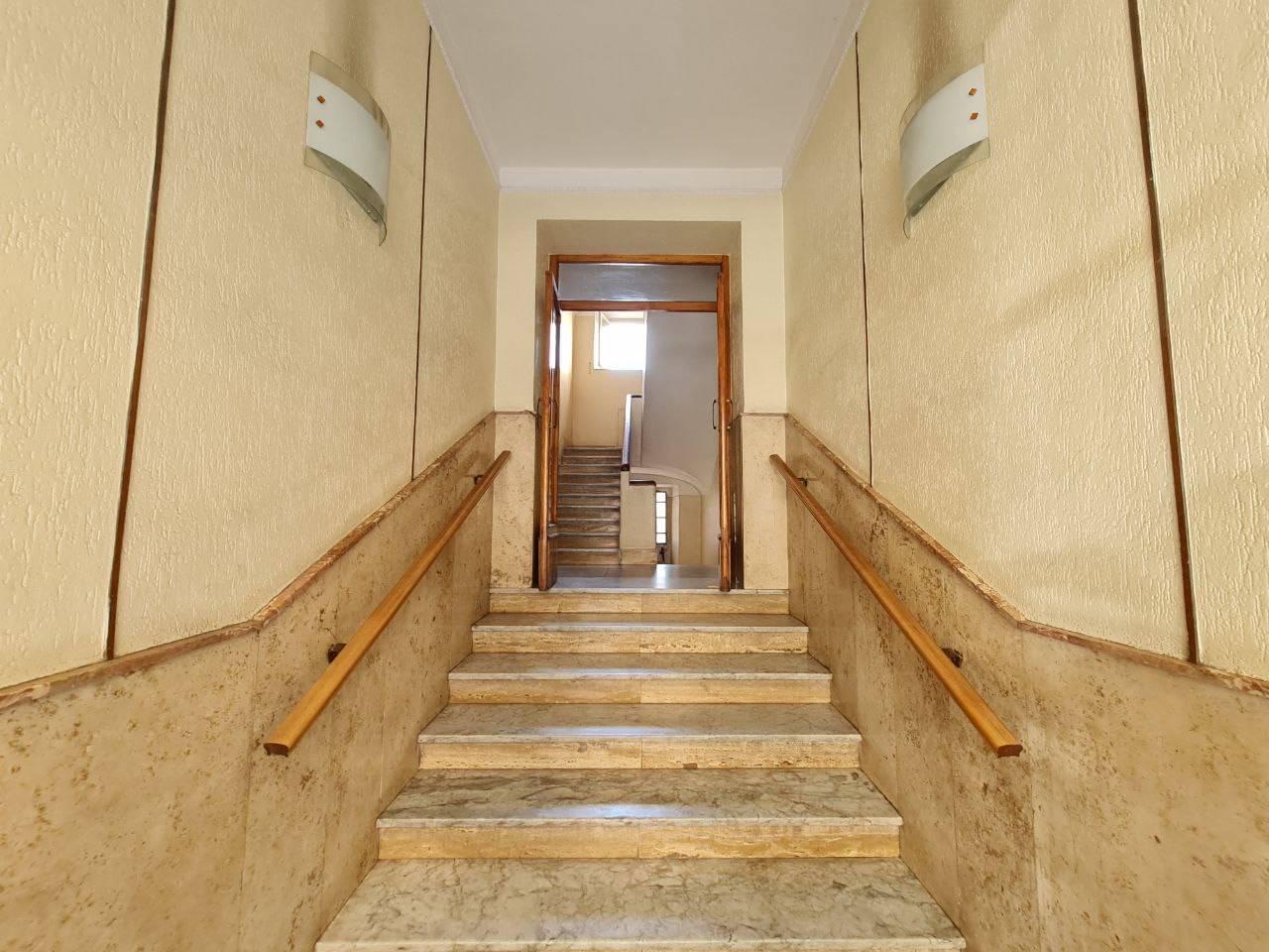 Appartamento in vendita a Roma, 3 locali, zona Zona: 10 . Pigneto, Largo Preneste, prezzo € 129.000   CambioCasa.it