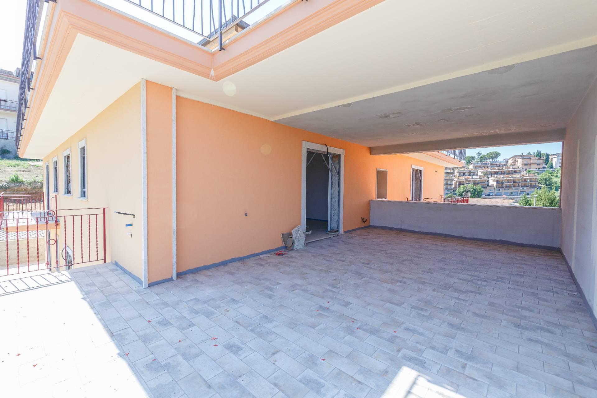 Attico / Mansarda in vendita a Monterotondo, 4 locali, zona Località: MonterotondoPaese, prezzo € 325.000   PortaleAgenzieImmobiliari.it