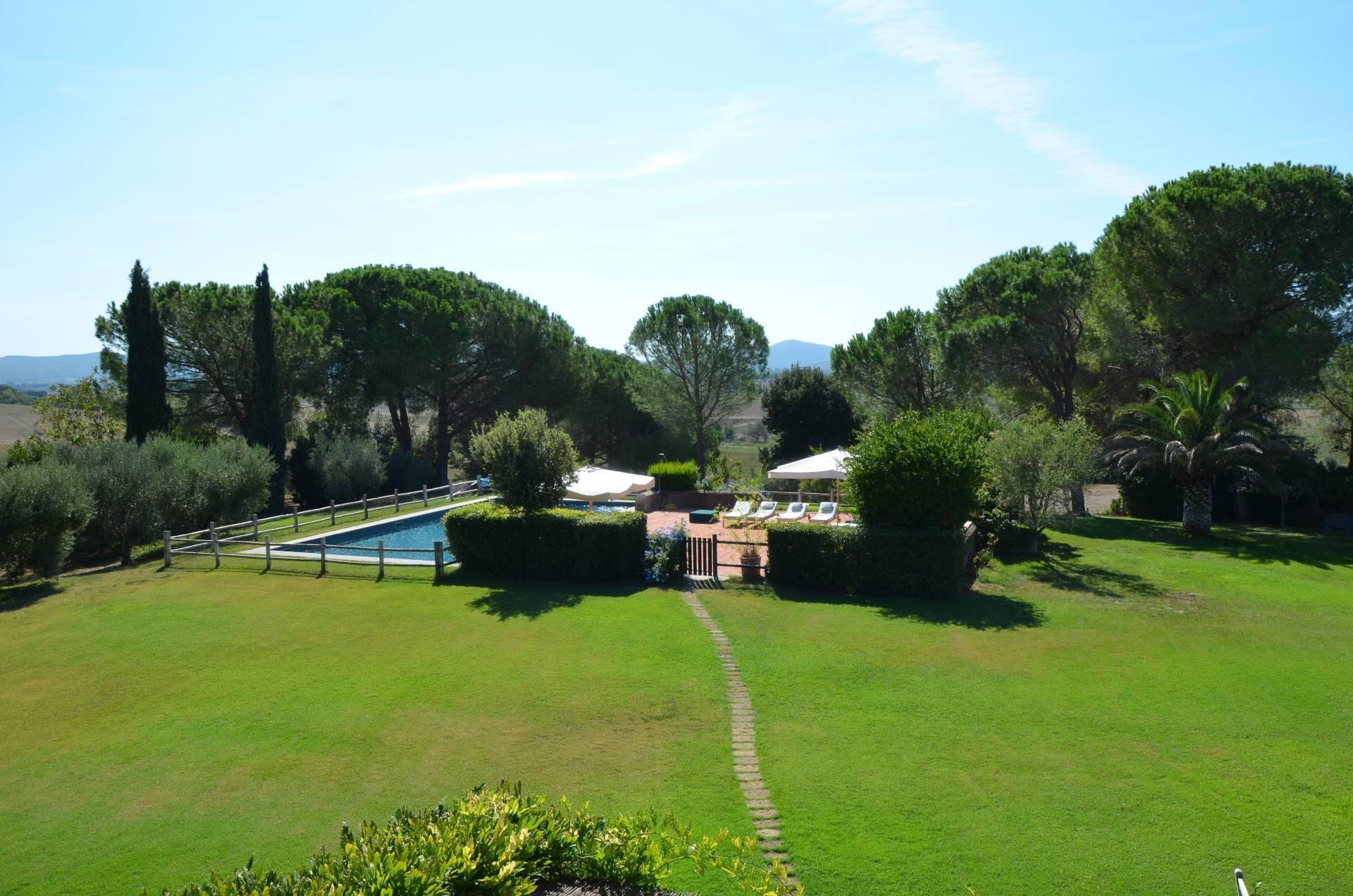 Villa a Magliano in Toscana in Affitto
