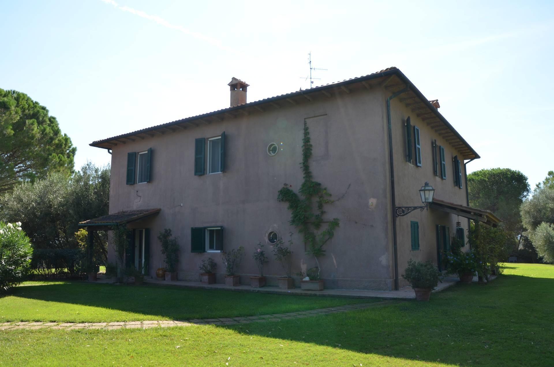 In Affitto a Magliano in Toscana Villa