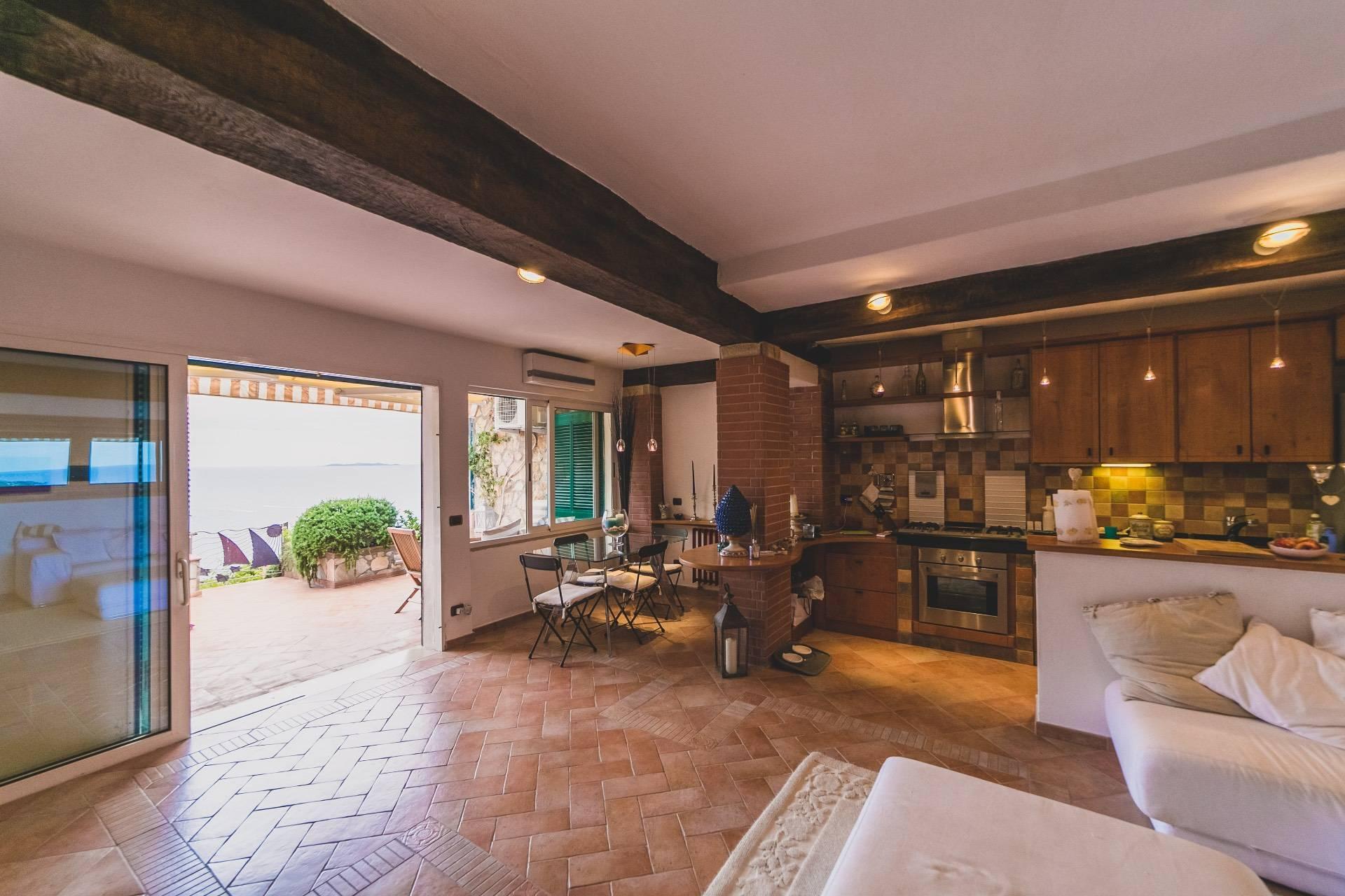 Appartamento in vendita a Monte Argentario, 5 locali, zona Località: CalaPiccola, prezzo € 490.000 | PortaleAgenzieImmobiliari.it