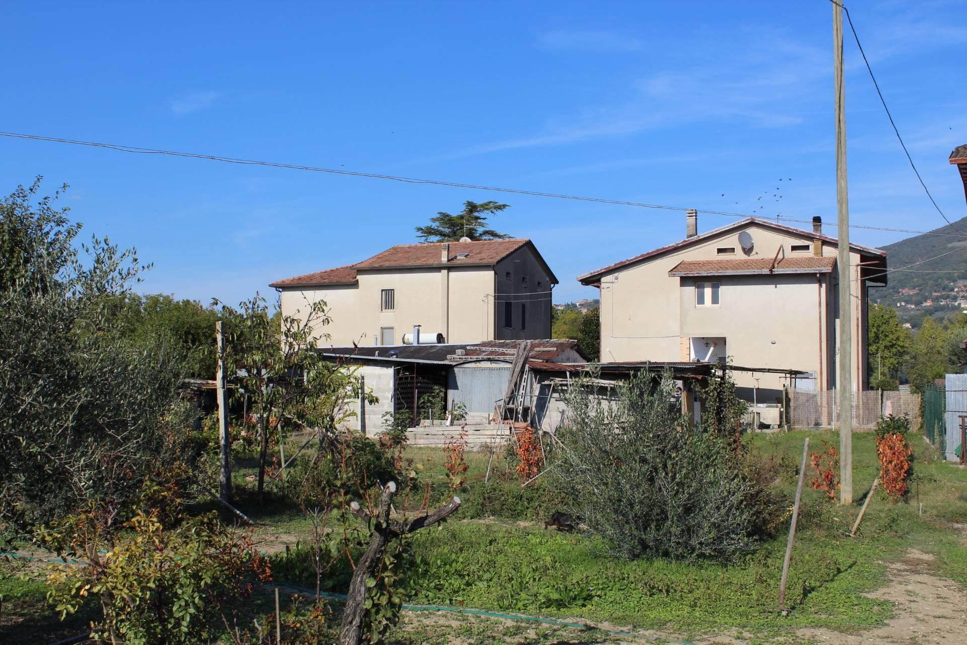 Casa indipendente in vendita a Rivotorto, Assisi (PG)