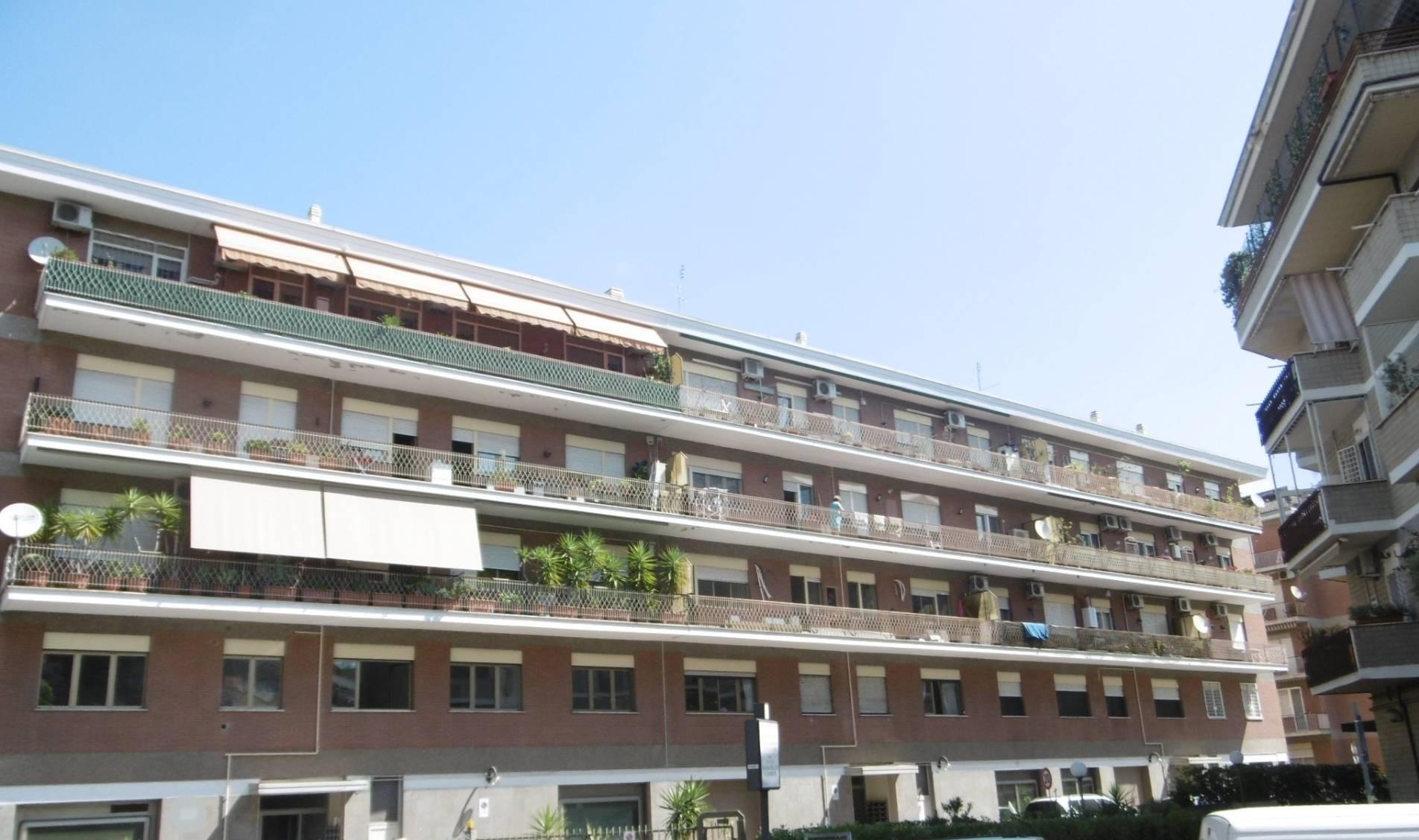 vendita appartamento roma prati fiscali  320000 euro  3 locali  80 mq
