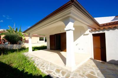 Villa a schiera in Vendita a Budoni