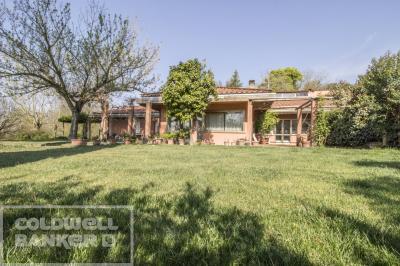 Villa bifamiliare in Vendita a Roma