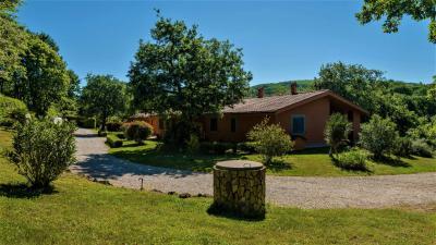 Villa in Vendita a Canale Monterano