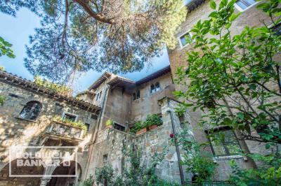 Stabile / Palazzo in Vendita a Roma