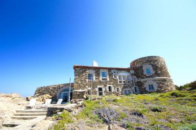 Villa in Affitto a Olbia