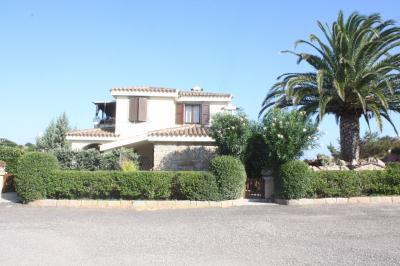 Villa bifamiliare in Vendita a Aglientu