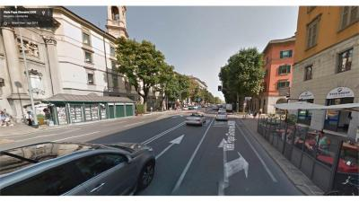 Negozio in Affitto a Bergamo