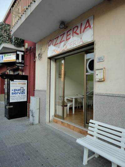 Pizzeria / pub in Affitto a Olbia