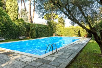 Details: Villa Sale - Roma (RM)   Camilluccia - MLS CBI100-551-43515VR