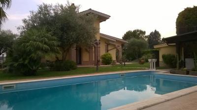 Villa bifamiliare in Vendita a Sant'Angelo Romano